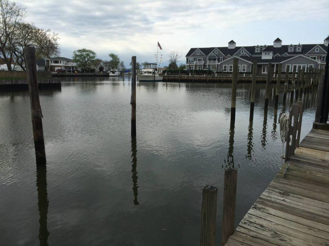 Long Island Dock Space Chuck S Marine Service